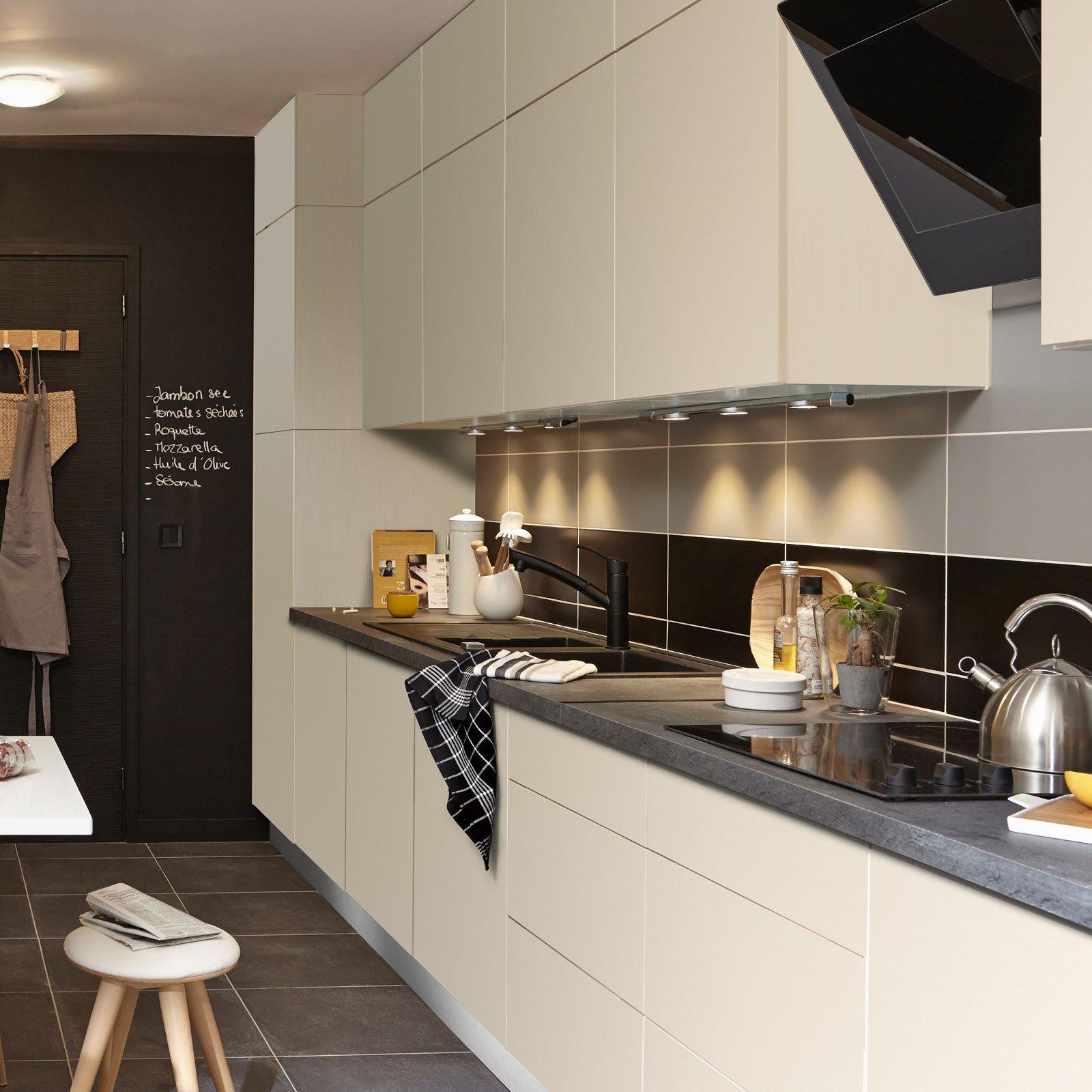 Cucina a tinte neutre. Foto modelli, descrizioni e prezzi ...