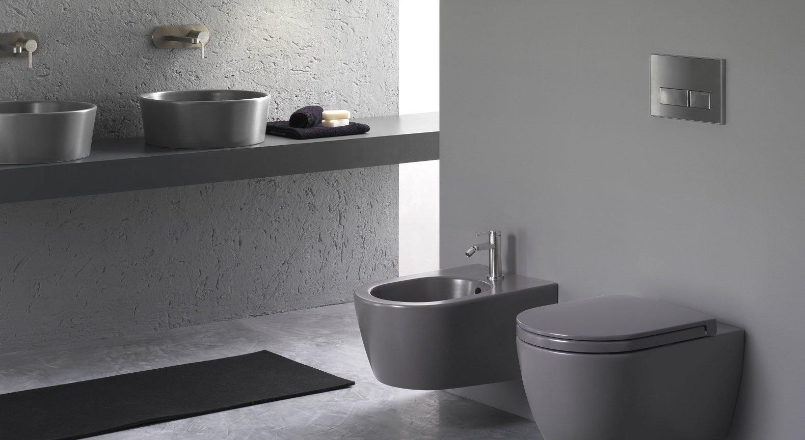 Bagno non solo bianco per sanitari co cose di casa - Quanto costano i sanitari del bagno ...