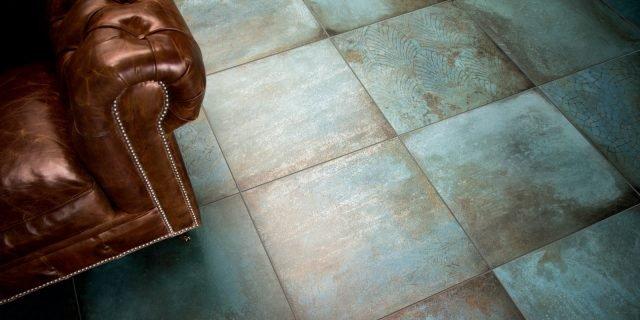 Effetto metallo per rivestimenti e pavimenti in piastrelle