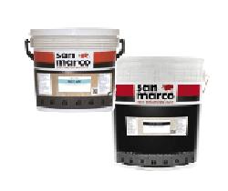 Al prodotto di fondo superlavabile Decorfond si può sovrapporre Easy Art, per realizzare effetti decorativi diversi come texture materiche e venature argento. Di Colorificio San Marco.