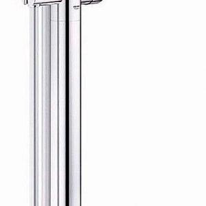 Si installa a pavimento la colonna con miscelatore monocomando e bocca girevole Essence New di Grohe per vasche freestanding. Misura 27,7 x H 78 cm; Iva esclusa costa 1.211,50 euro.