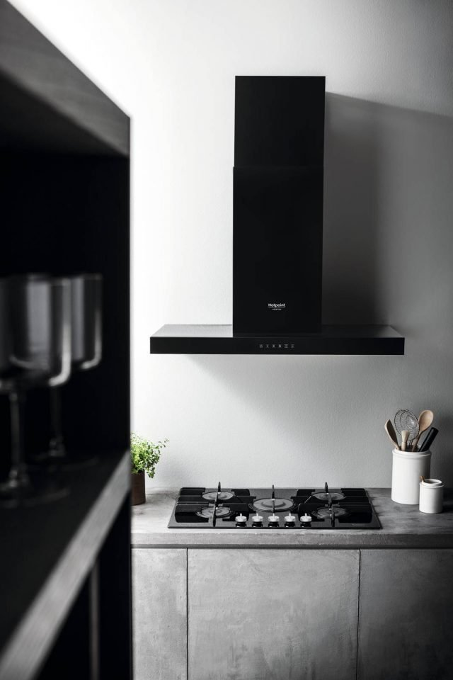 Hotpoint Vertical Flame fuochi a gas