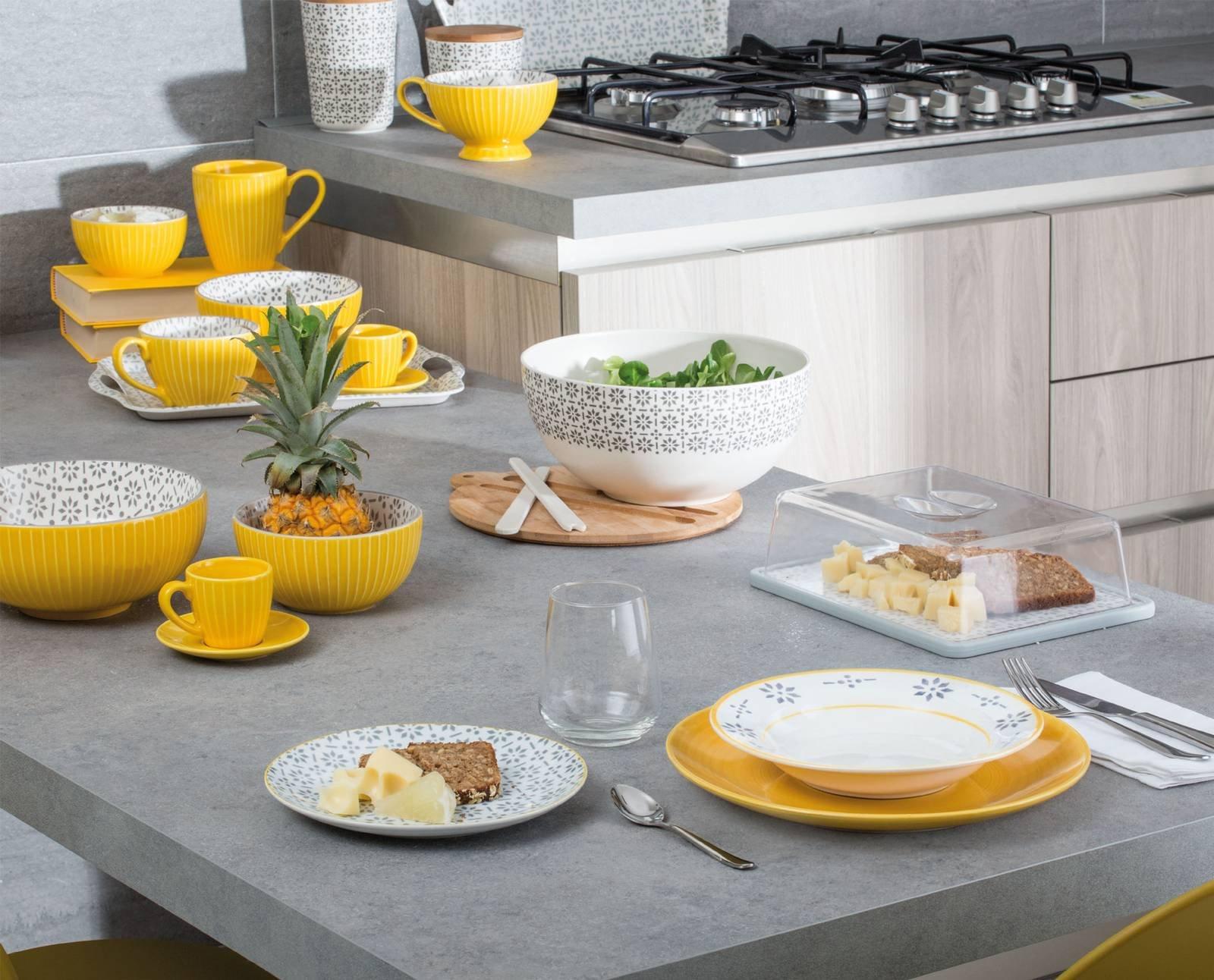 Piatti colore e decor nei servizi tavola ad homi 2017 for Servizio di piatti