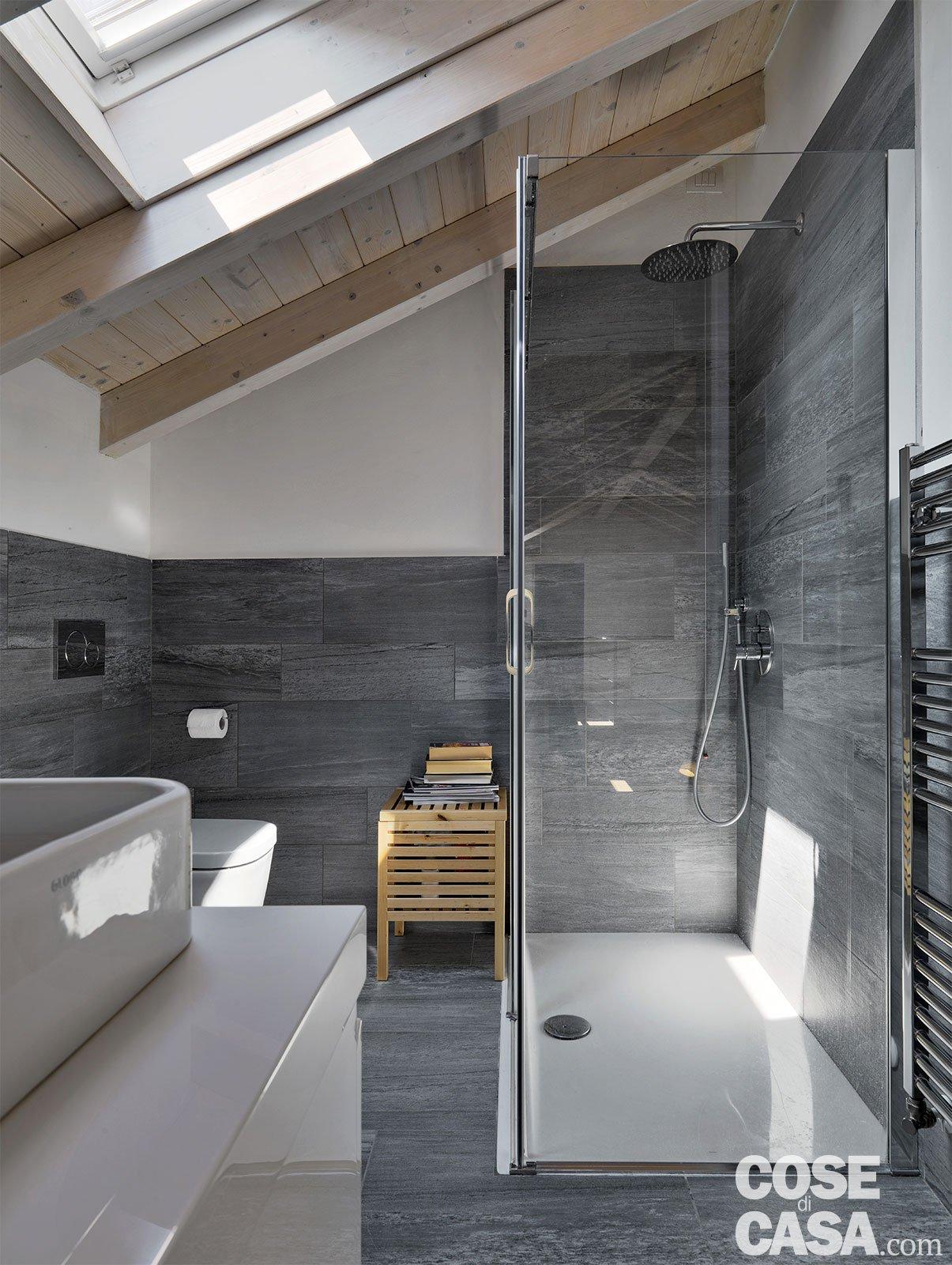 Loft una casa sottotetto a doppia altezza cose di casa - Bagno sottotetto ...