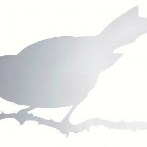 Lo specchio Snijder Bird di Driade (design Ed Annink) è in acciaio inox lucidato. Misura L 69,4 x P 2 H 47,5 cm e costa 390 euro.