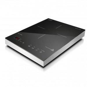 Piano cottura a induzione S-Line di Caso Design. Prezzo al pubblico: 139 euro. Info e distribuzione: Punto De, www.puntode.it