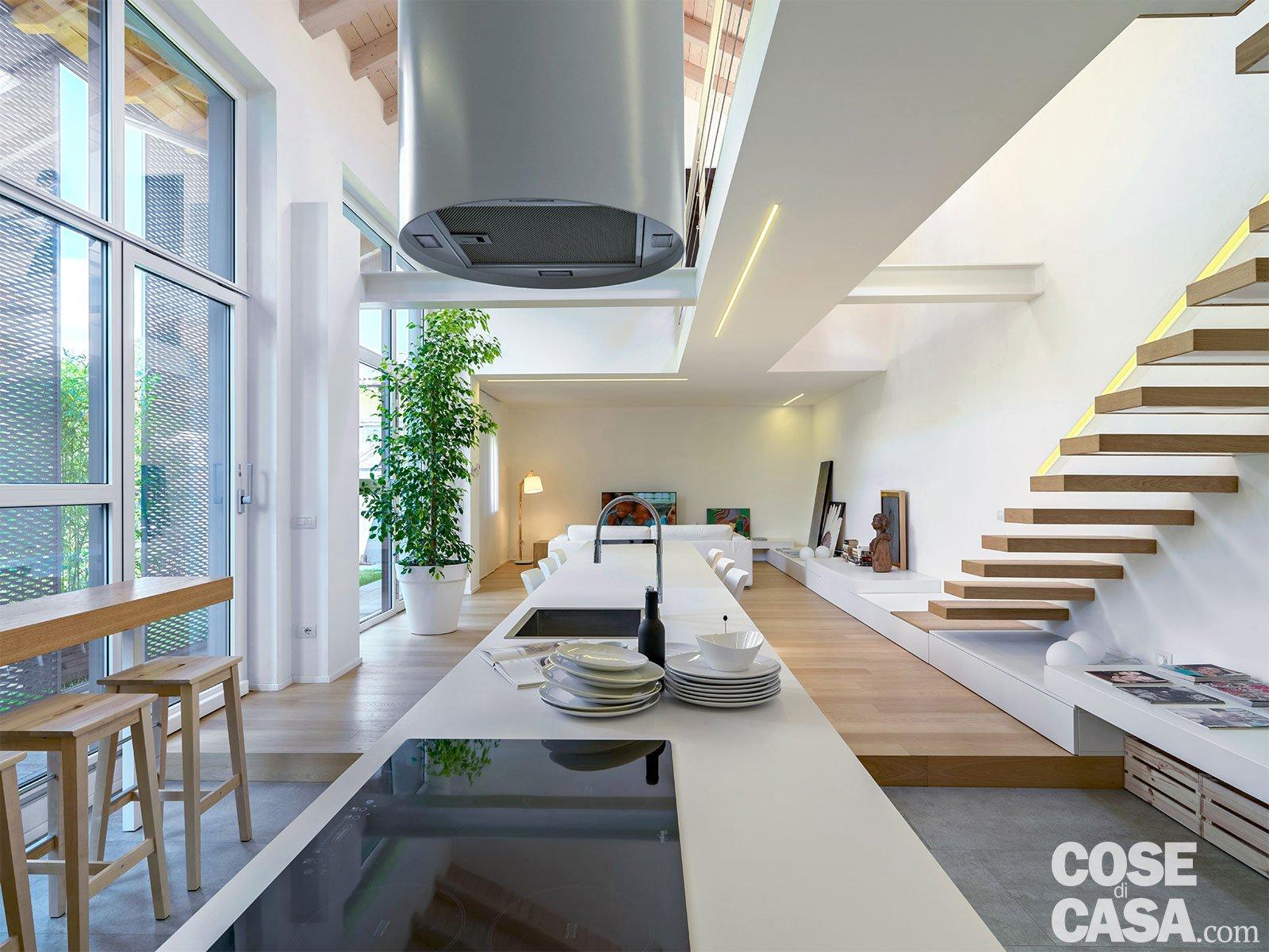 Loft una casa sottotetto a doppia altezza cose di casa for Piani di casa in stile rambler