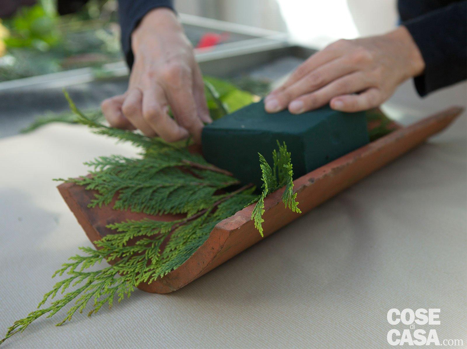 Come Dipingere Vecchie Tegole tegola fiorita come decorazione: come realizzarla fai da te