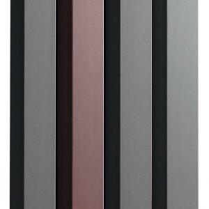 Modulare e componibile, il radiatore Rift di Tubes è formato da diversi moduli estrusi in alluminio che si possono accostare tra loro. È disponibile nelle versioni elettrica e idraulica. La composizione in foto costa 1.875 euro.