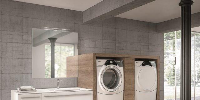 per arredare il bagno con un angolo lavanderia per lavatrice a carica frontale vi sono svariate soluzioni con composizioni che possono lasciare a vista