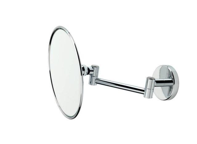 Si fissa a parete, lo specchio ingranditore 3x art. 1035 di Stilhaus che ha un pratico supporto snodato. Misura Ø 14 x P 20 cm (alla massima estensione). Iva esclusa, costa 125 euro. www.stilhaus.it