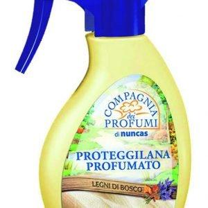 Il proteggilana spraydi Nuncas, no gas, con una delicata profumazione, non macchia. Costa a partireda 6,40 euro.www.nuncas.it