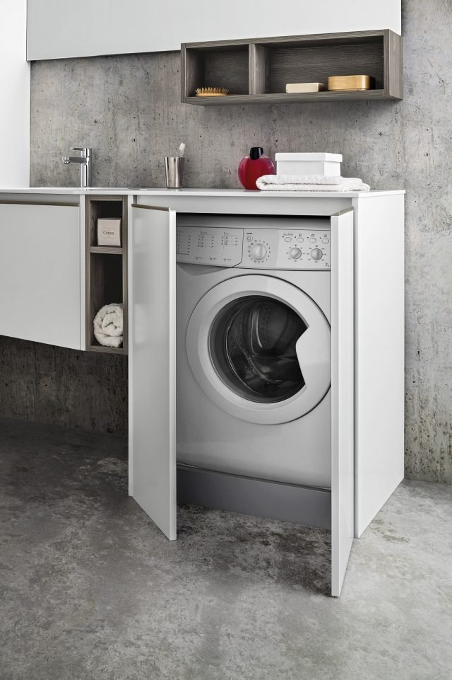 Lavanderia in bagno: foto e composizione per nascondere