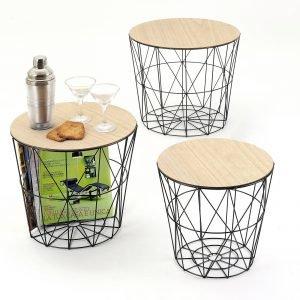€ 75*  Il prezzo è del set di tre tavolini/contenitori  Grata di Maiuguali con piano in legno chiaro e struttura in metallo. Misurano ø 40 x H 40 cm, ø 36 x H 36 cm e  ø 31 x H 31 cm. www.maiuguali.it