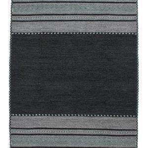 € 137,90 Realizzato a mano in puro cotone,  il tappeto Alhambra di World Carpets  è completato da nappine agli angoli. Misura L 120 x P 170 cm.  wwww.tappeti.it