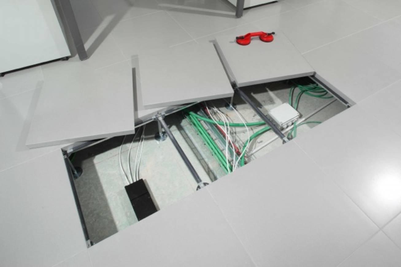 Pavimenti sopraelevati per interni e per esterno cose di for Opzioni di raccordo per l esterno della casa