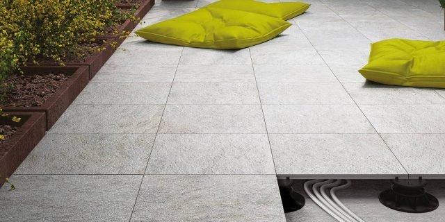 Pavimenti sopraelevati per interni e per esterno