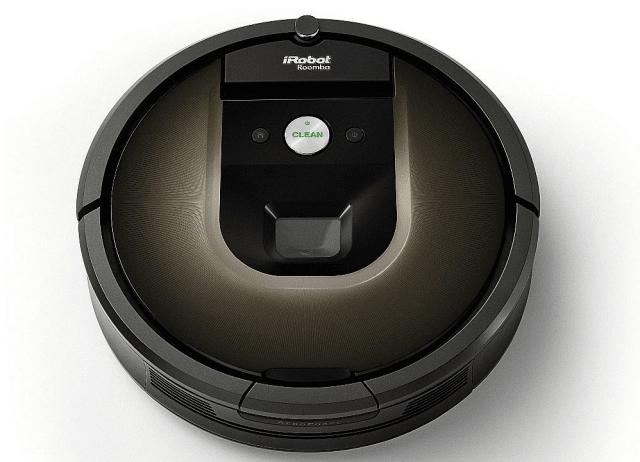 Le pulizie nella casa hi-tech: robot aspirapolvere Roomba 980 di iRobot. Il robot aspirapolvere dispone di diverse innovative funzioni: grazie al controllotramite app e la connettività Wi-Fi,è in grado di pulire un intero appartamento e il ciclo di pulizia può essere avviato in qualsiasi momento e da qualsiasi luogo. L'apparecchio può funzionare per due ore in modo continuativo, si ricarica automaticamente e riprende il ciclo di lavoro da dove si è interrotto. Il sistema AeroForce™ con tecnologia Carpet Boost individua i tappeti o la moquette, garantendo doppia efficacia quando li incontra durante la pulizia.