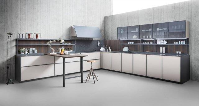 Cucina a l 10 composizioni ad angolo cose di casa for Modificato un piano di cabina di telaio