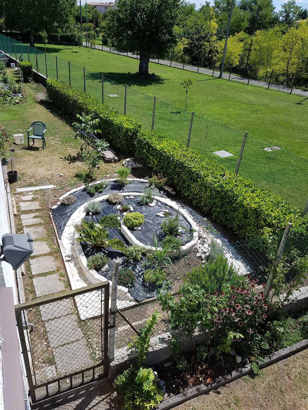 Best le piantine scelte sono per la maggior parte for Bordi per giardino