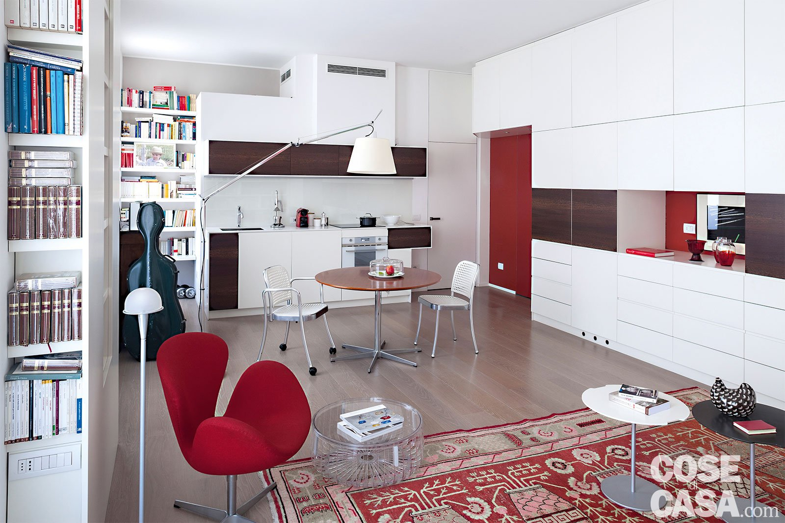 50 mq una casa open space per avere pi luce guarda i for Soluzioni economiche per arredare casa