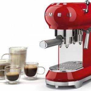 Macchina per il caffè espresso Linea anni '50 di Smeg. www.smeg.it