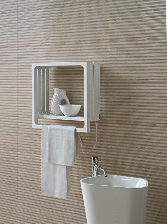 Soluzioni per un bagno piccolo piccolo cose di casa for Termoarredo bagno piccolo