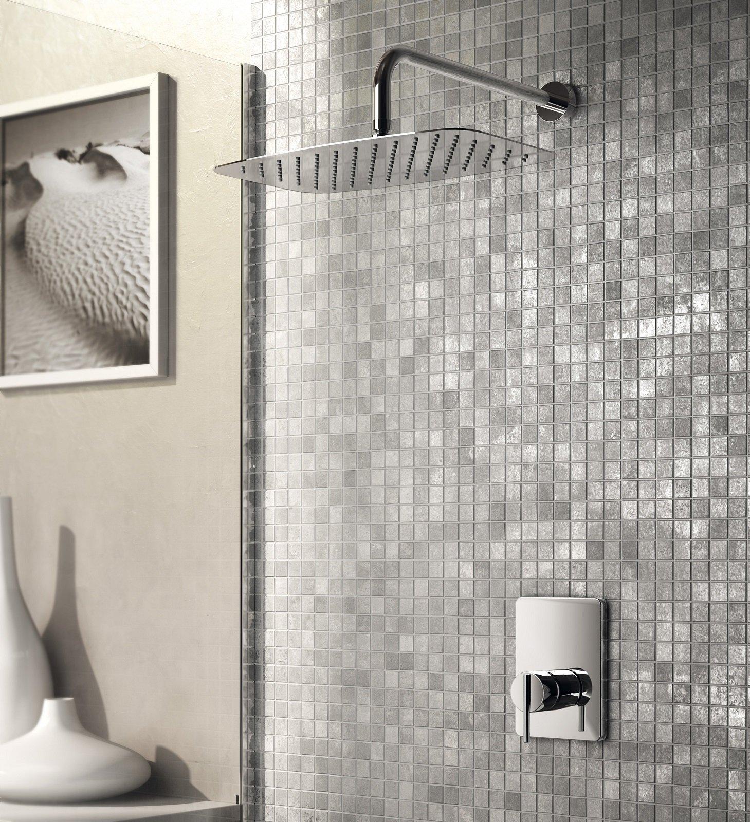 A parete o a soffitto i moderni soffioni doccia - Soffione doccia incasso ...