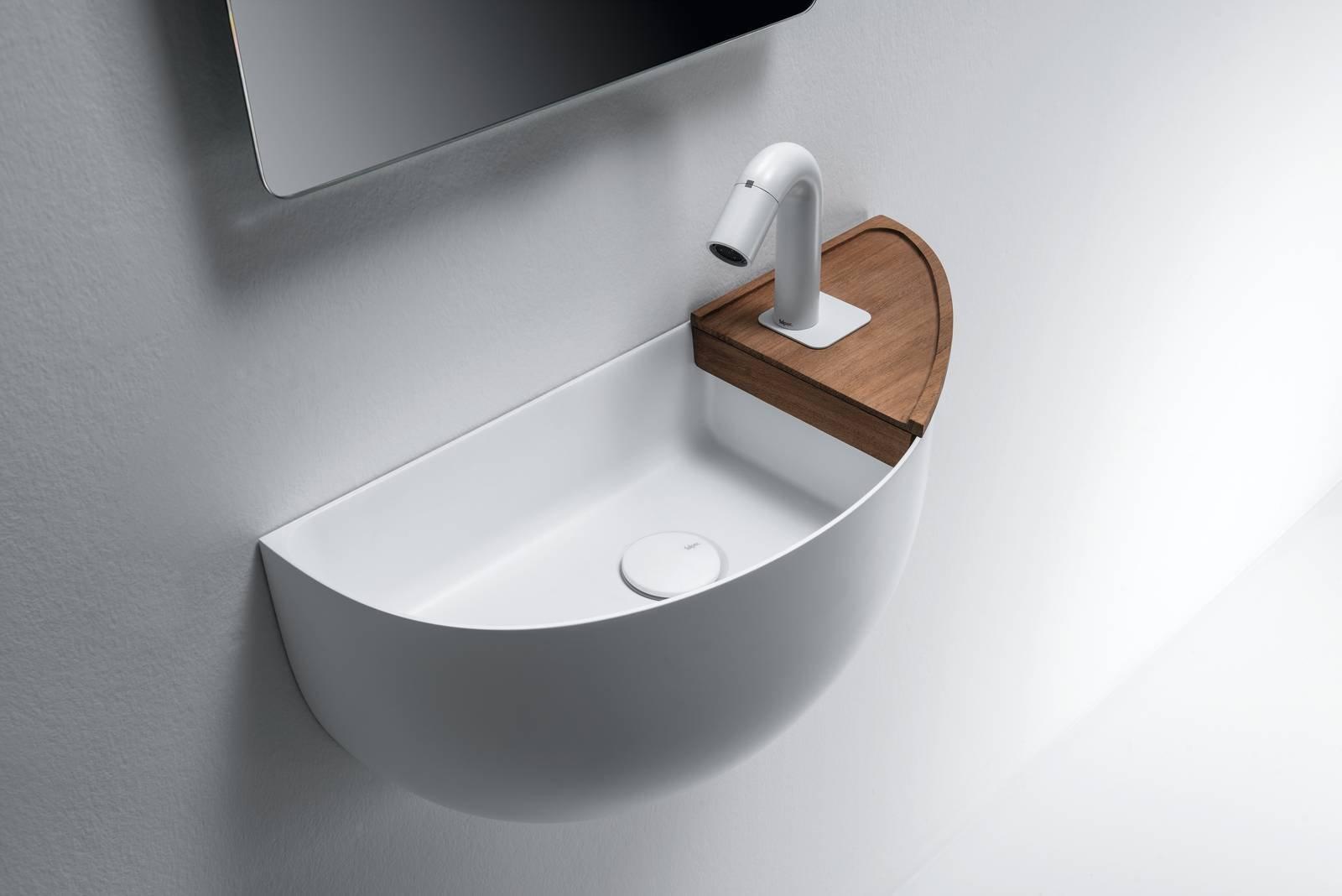 Soluzioni per un bagno piccolo piccolo cose di casa for Prezzi lavabo bagno