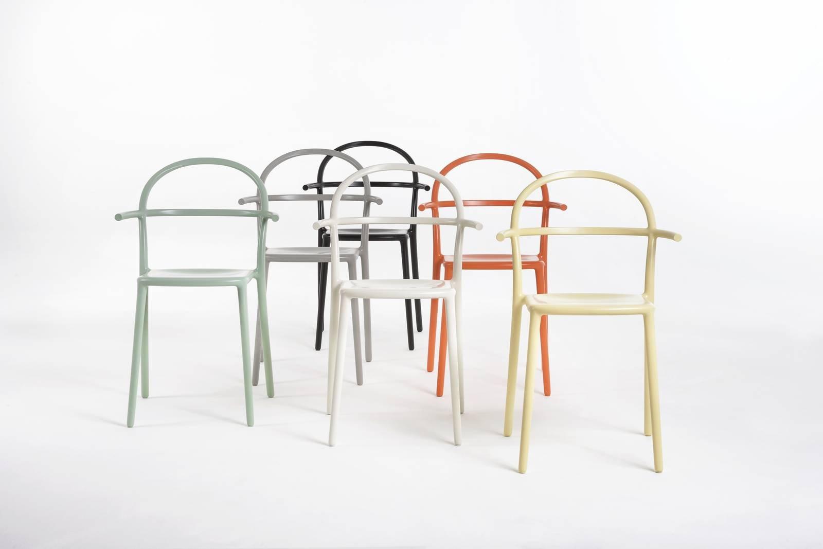 Le nuove sedie e poltroncine al salone del mobile 2017 for Sedie design kartell
