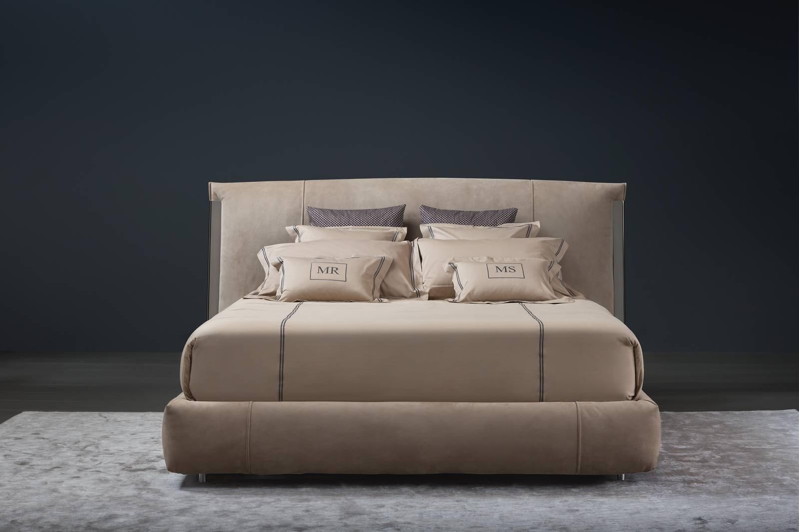 Letti imbottiti le novit al salone del mobile 2017 cose di casa - Testata letto design ...