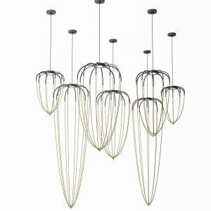 Alysoid di Axo Light è la nuova lampada a sospensione, design Ryosuke Fukusada, formata da una montatura con Led integrato nella finitura antracite da cui pendono preziose catenine, composte da piccoli elementi sferici nella finitura ottone naturale, che danno vita al diffusore fatto di aria e di luce. É realizzata in alluminio lavorato a mano, è disponibile in quattro modelli e può essere posizionata da sola o in gruppo. Misura ø 34,5 x H 54 cm, ø 43 x H 80 cm, ø 51,5 x H 100 cm e  ø 51,5 x H 170 cm. www.axolight.it