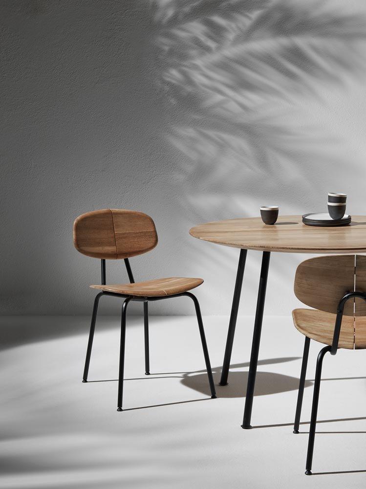 le nuove sedie e poltroncine al salone del mobile 2017 cose di casa. Black Bedroom Furniture Sets. Home Design Ideas