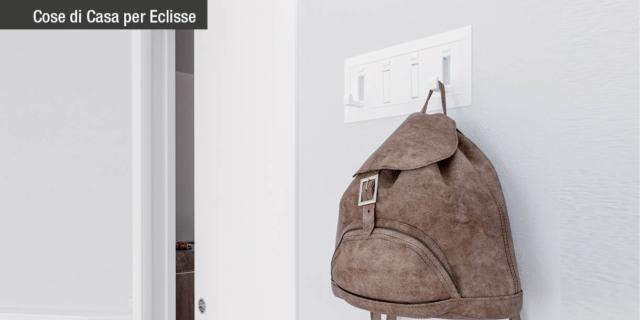 Come sfruttare la parete che ospita la porta scorrevole?