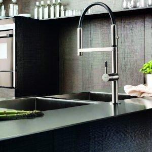 Rubinetti per la cucina miscelatori hi tech cose di casa - Rubinetti x cucina ...