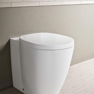 Vaso Connect Freedom di Ideal Standard: +6, cioè alto 6 cm in più rispetto a quelli standard.