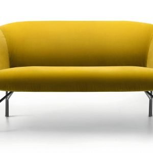 Accogliente. Il divanetto a due posti Lennox di Lema, design Gordon Guillaumier. Al Pad.7/ stand B15/C20 (www.lemamobili.com).