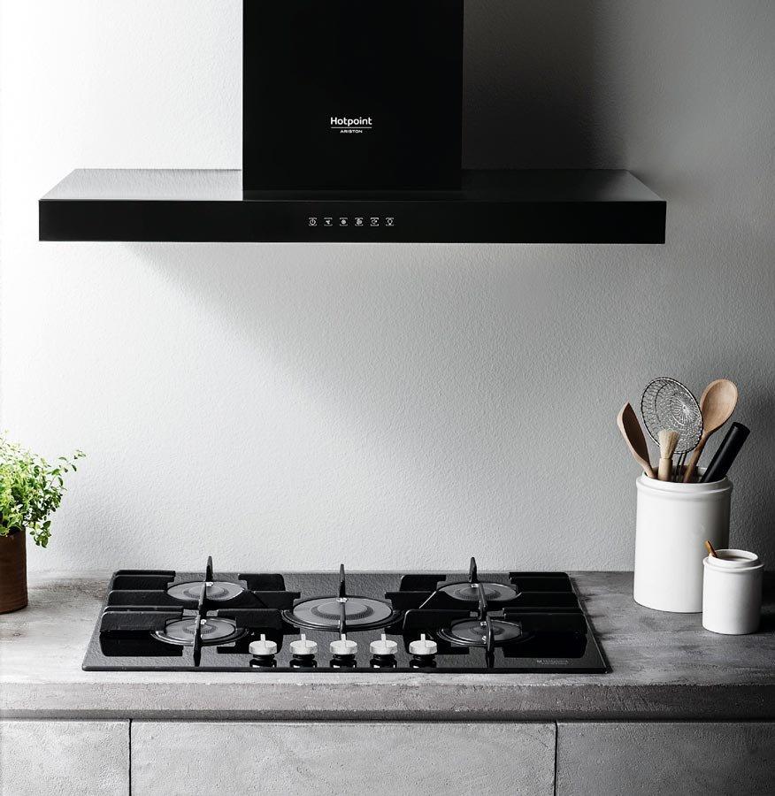 Elettrodomestici in bianco o nero cose di casa - Ariston cucine a gas ...