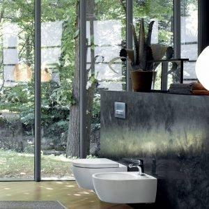 Vaso e WC sospesi Fast di Pozzi Ginori con tecnologia Rimfree