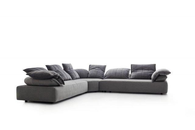 Salone del mobile 2017 divani e divanetti cose di casa - Posizioni sul divano ...