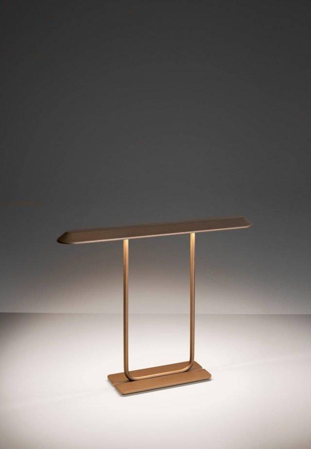 Lampade da tavolo illuminazione scultorea a euroluce 2017 - Lampada tavolo artemide ...