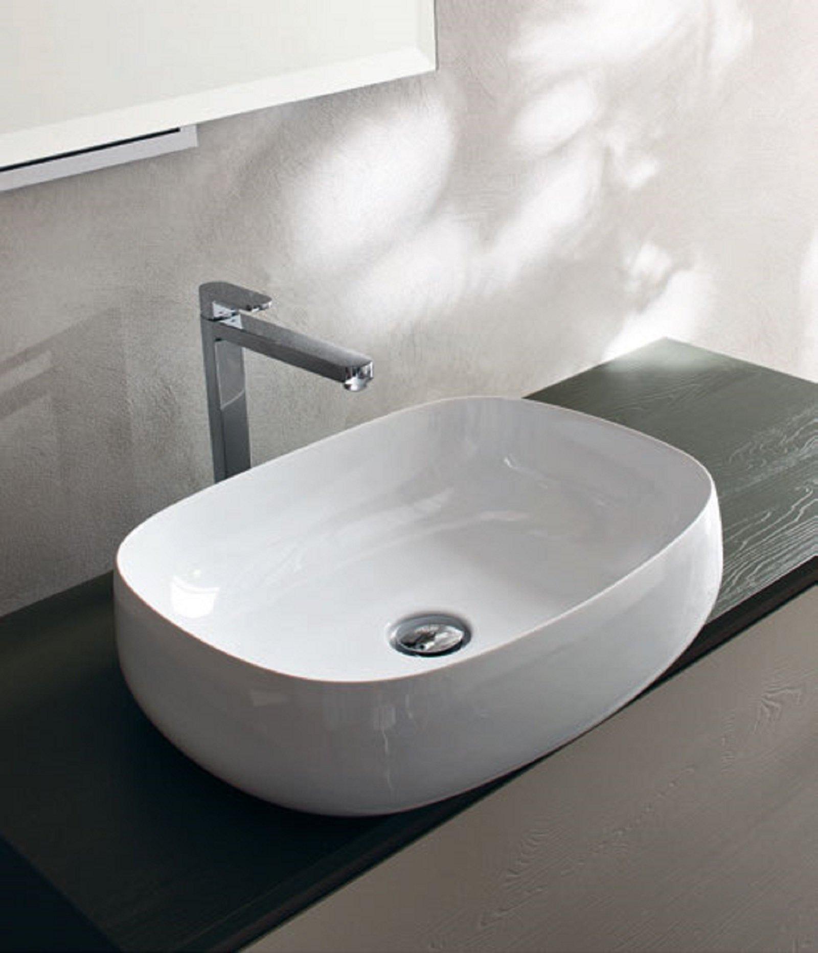 Fanno tendenza i moderni lavabi d appoggio che donano - Lavandini da appoggio bagno ...