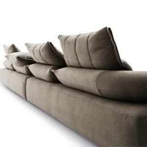 Moduli asimmetrici del divano Flick-Flack di Ditre Italia, design Anna von Schewen