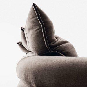 Meccanismo silenzioso del divano Flick-Flack di Ditre Italia, design Anna von Schewen.