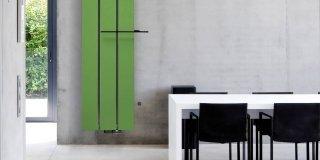 """radiatori in alluminio Beams di Vasco Spazio Comfort Attenta alle tendenze del momento, Vasco ha proposto una serie di radiatori in alluminio nella colorazione dell'anno, il """"greenery"""" (nella foto il modello Beams)."""
