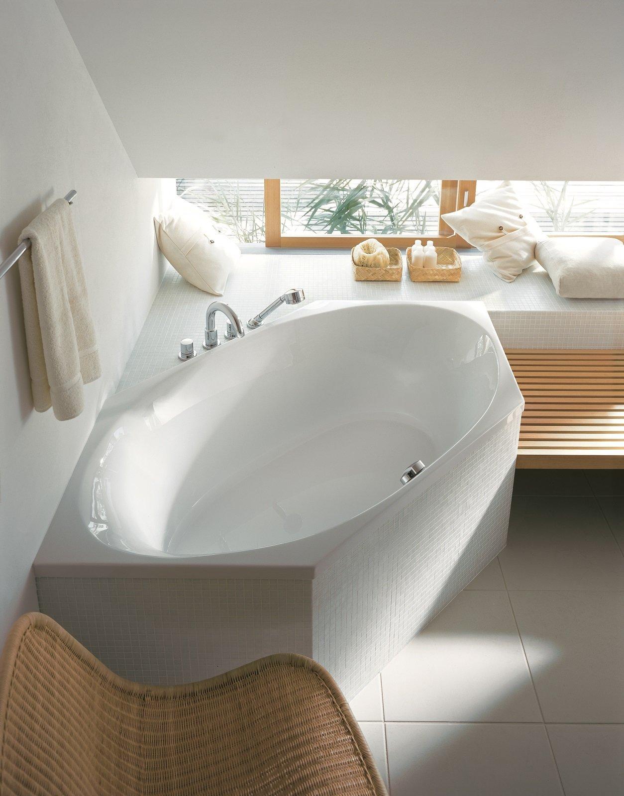 Vasca da bagno angolare piccola cheap vasca da bagno piccola misure nei piccoli bagni spesso - Vasche da bagno dolomite ...