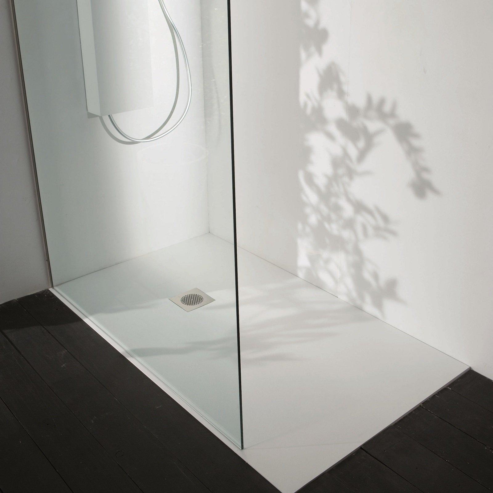 A filo pavimento o d appoggio i piatti doccia si - Posare un piatto doccia ...