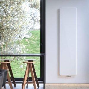 ONI, il termoarredo Vasco elegante, minimale, ultraslim, ha linee senza tempo e si adatta ad ogni contesto abitativo.
