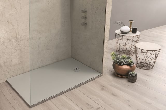 A filo pavimento o d appoggio i piatti doccia si for Piletta doccia filo pavimento