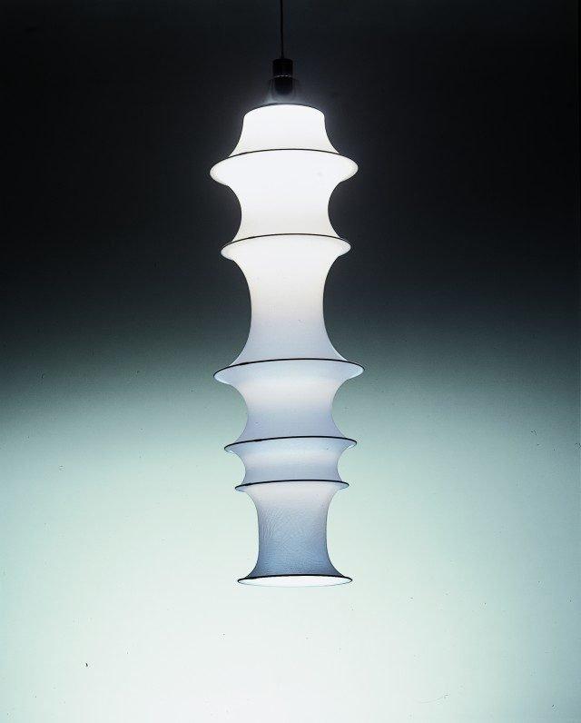 La lampada Falkland, disegnata da Bruno Munari per Danese